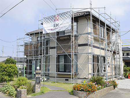 """やはり、お家の外壁塗装・屋根塗装は""""住宅塗装を専門""""とする塗装会社がベスト。"""